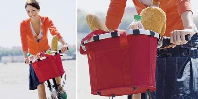 Красная корзина для велосипеда