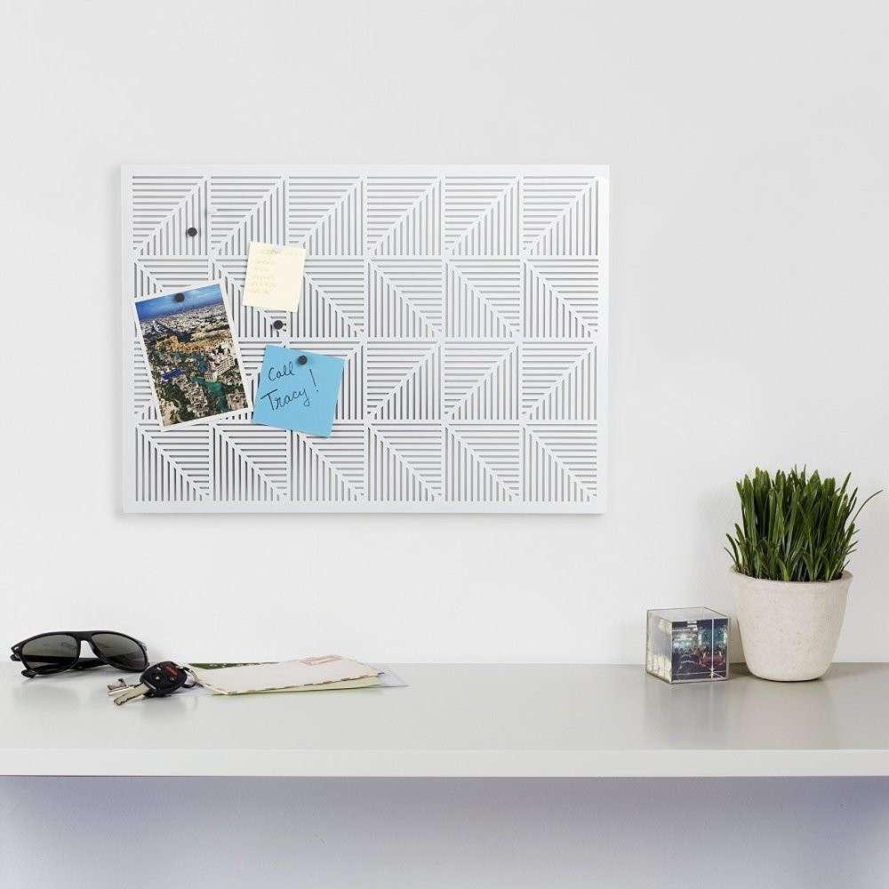 umbra-trigon-bulletin-board